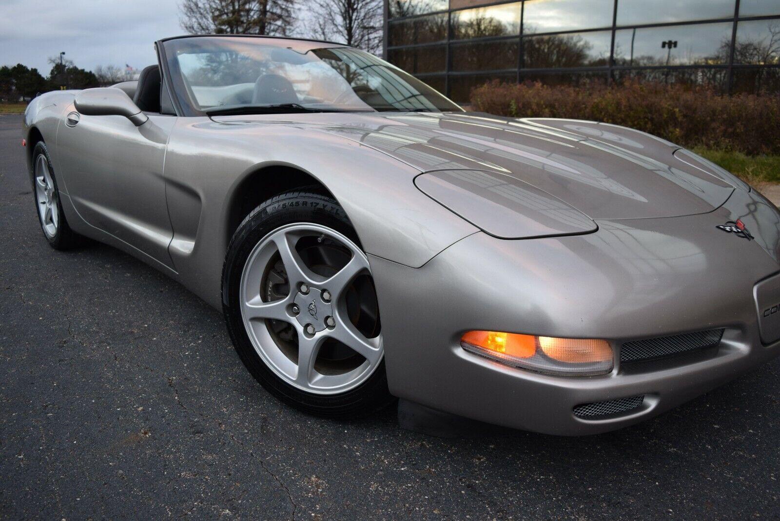 2001 CHAMPAGNE METALLIC Chevrolet Corvette   | C5 Corvette Photo 1