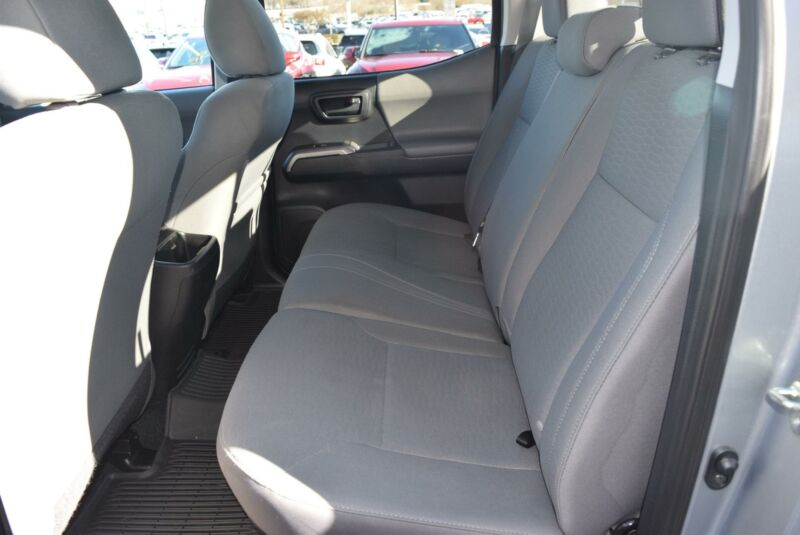 Image 11 Voiture American used Toyota Tacoma 2016