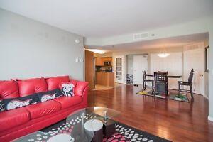 Beautiful top floor 2 BDM condo for rent in the Maples