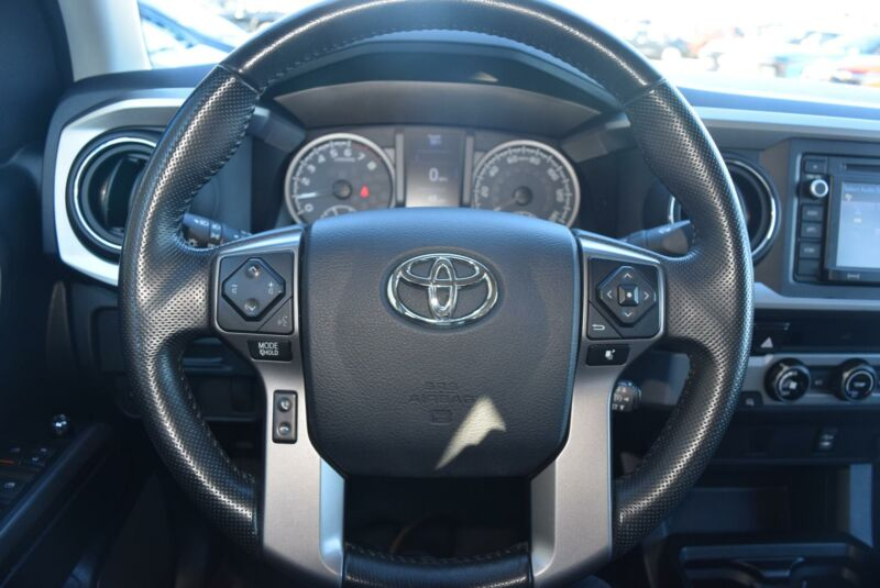 Image 7 Voiture American used Toyota Tacoma 2016
