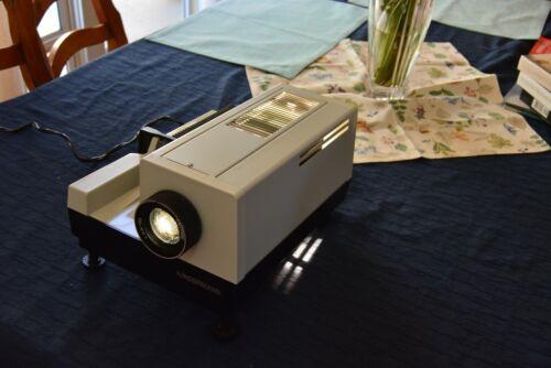 Vintage KINDERMANN 8703 Type 1041 Slide Projector Works