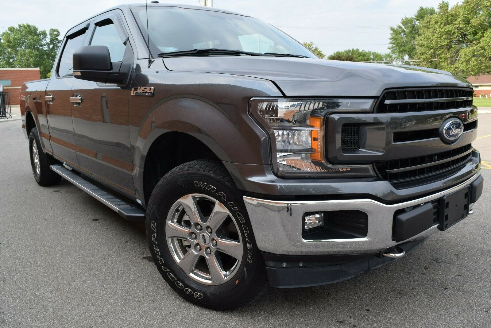 2018 Ford F-150 XLT Crew FX4 Off Road 5.0L/V8/4X4/Leather/Navigation/Tow/18'/Cam