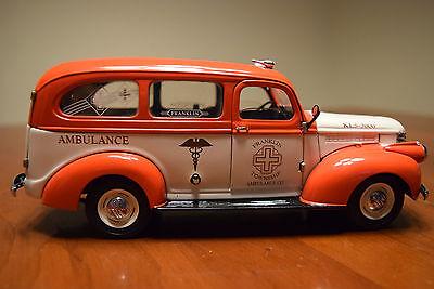 Franklin Mint 1/24 Scale 1946 Chevrolet Suburban Ambulance DieCast Metal Car