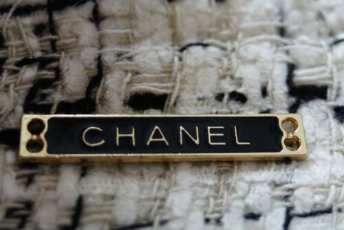 1 Auth  CHANEL BUTTON metal cc   💔💔💔 price for 1  black gold length 1,2 inch
