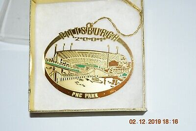 PNC PARK PITTSBURGH PIRATES GOLD CHRISTMAS TREE ORNAMENT  ()