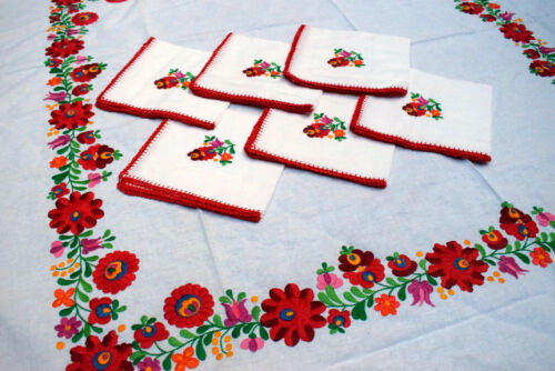 Vtg Original Hungarian MATYO Embroidery Tablecloth+ 6 napkin from folk artist