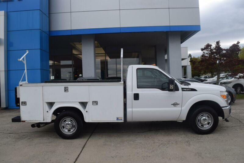 Image 1 Voiture Américaine d'occasion Ford F-350 2012
