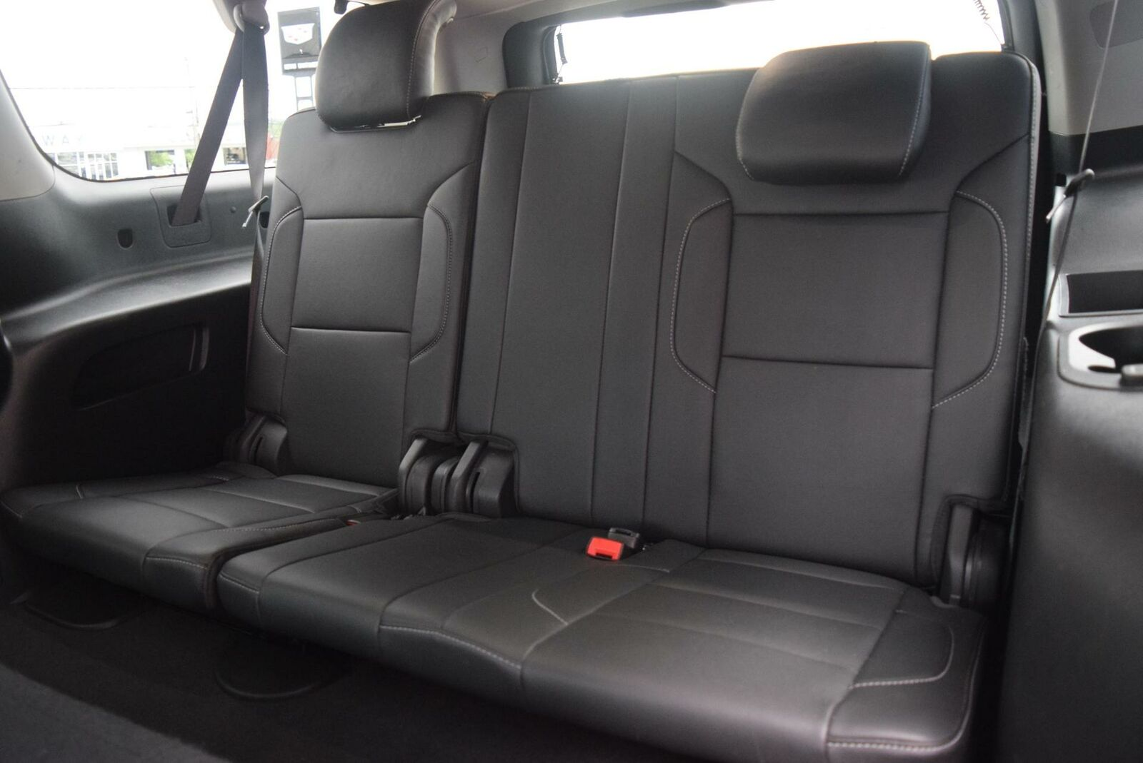 Chevrolet Suburban 2019 photo 10