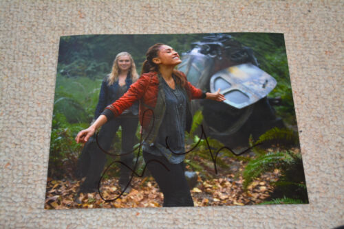 "LINDSEY MORGAN signed  Autogramm 20x25  In Person THE 100 ""Raven"""