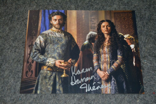 KAREN HASSAN signed  Autogramm 20x25 cm In Person VIKINGS Therese