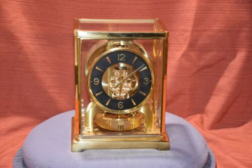 Jaeger LeCoultre Atmos Clock Model 526-5 SN # 333711 Blue Circle Face Swiss Made