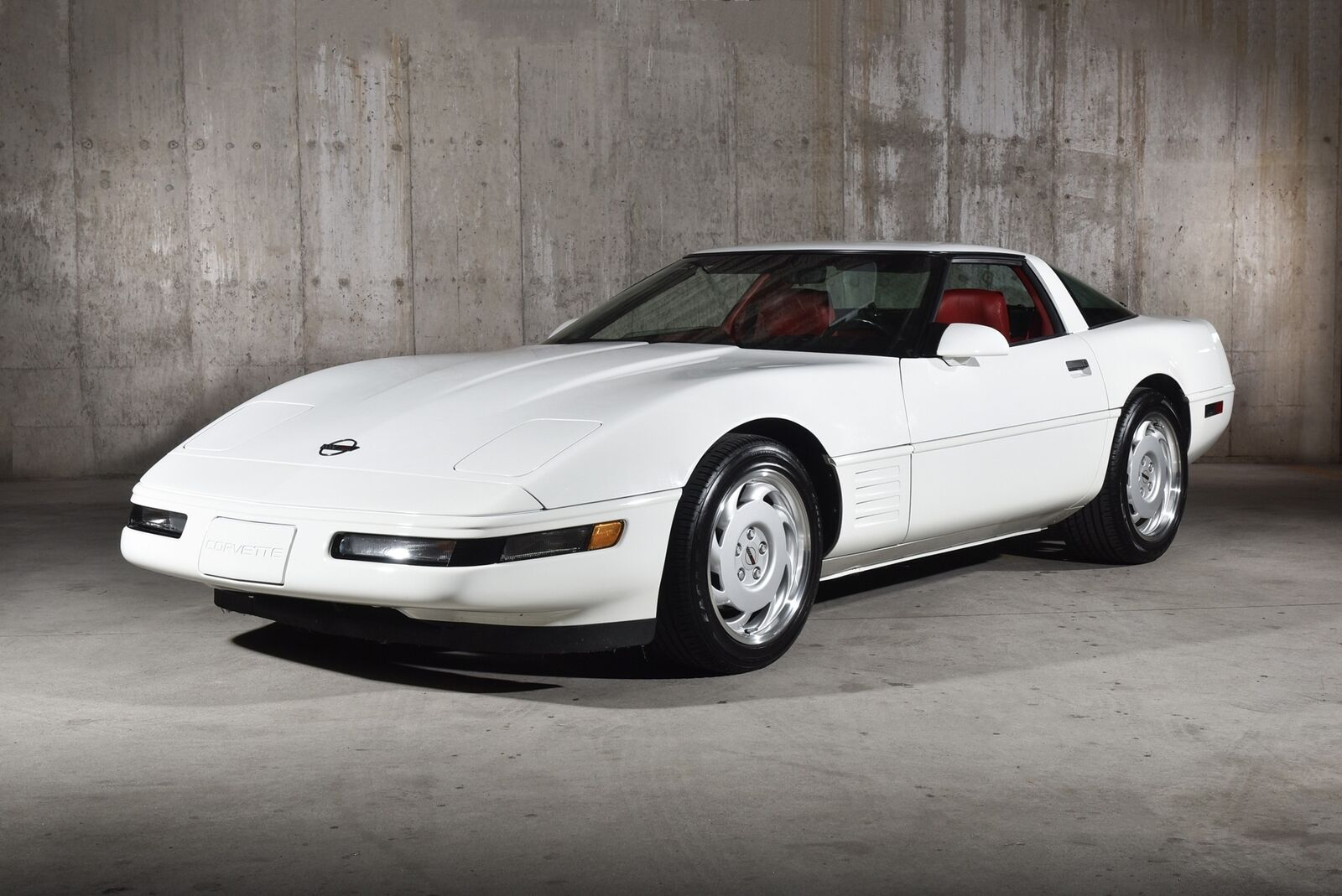 1992 White Chevrolet Corvette   | C4 Corvette Photo 8