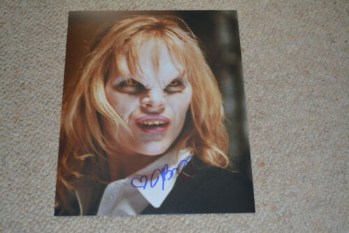 JULIE BENZ signed Autogramm 20x25 cm In Person Buffy