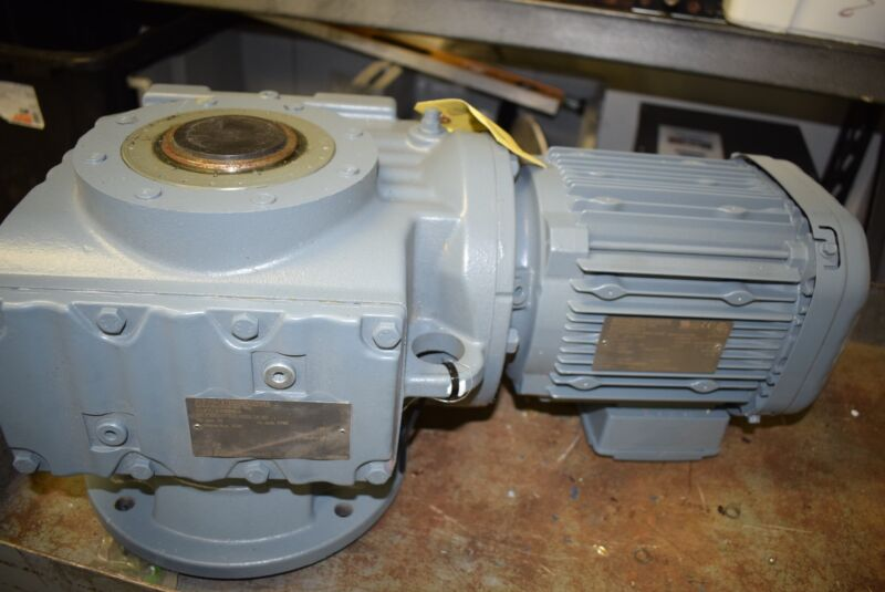 NEW SEW EURODRIVE SAF77-DRE90L4 Speed REDUCER AND GEARBOX
