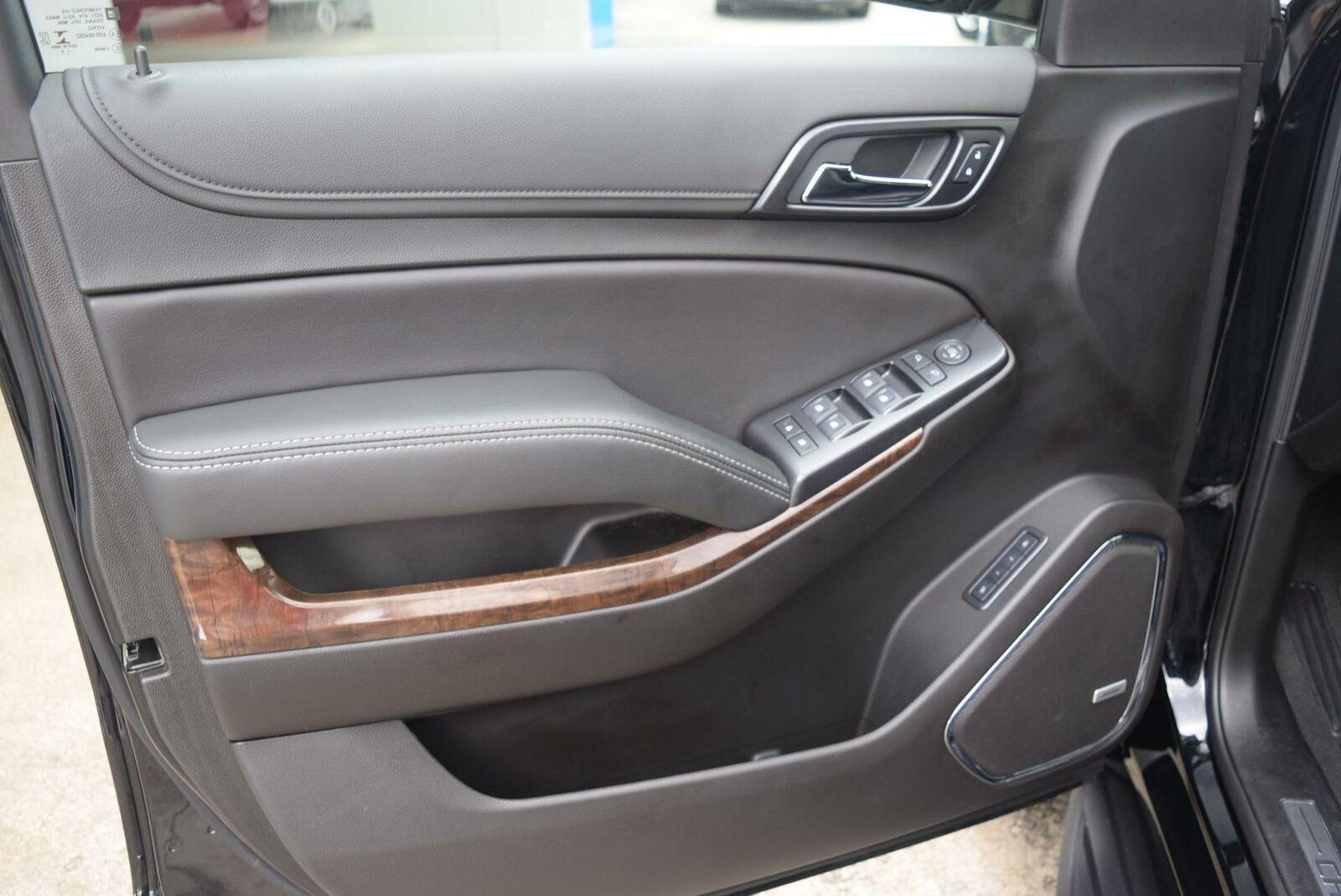 Chevrolet Suburban 2019 photo 4