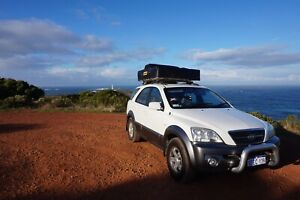 Kia Sorento SUV 4WD (roof top tent, 2nd battery and WAECO esky)