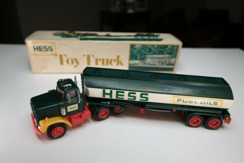 1977 Vintage HESS FUEL OIL TANKER (COLLECTIBLE)