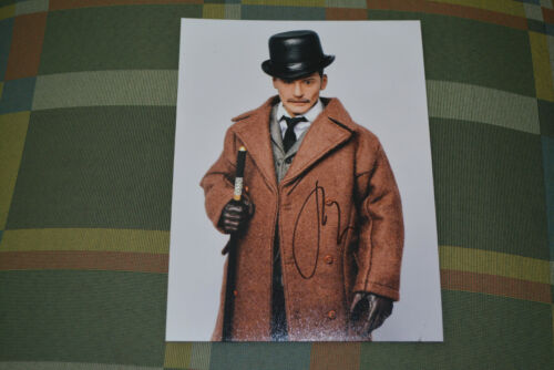 JUDE LAW signed Autogramm 15x20 cm In Person SHERLOCK HOLMES