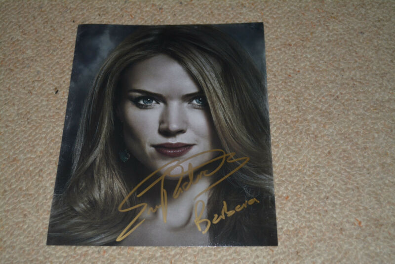 ERIN RICHARDS signed autograph In Person 8x10 20x25 cm GOTHAM