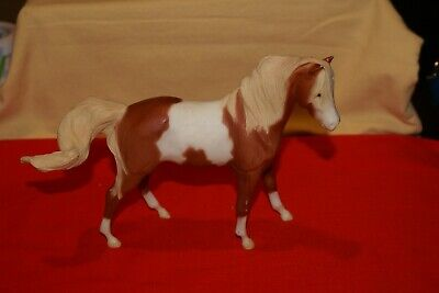 Breyer Molding Co American Paint Horse Pinto FIGURINE Silver Logo BELLY VINTAGE