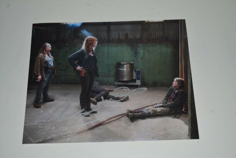 ALICIA WITT  signed autograph In Person 8x10 20x25 cm THE WALKING DEAD