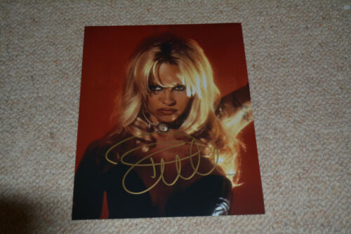 PAMELA ANDERSON sexy signed Autogramm 20x25 cm In Person BARB WIRE