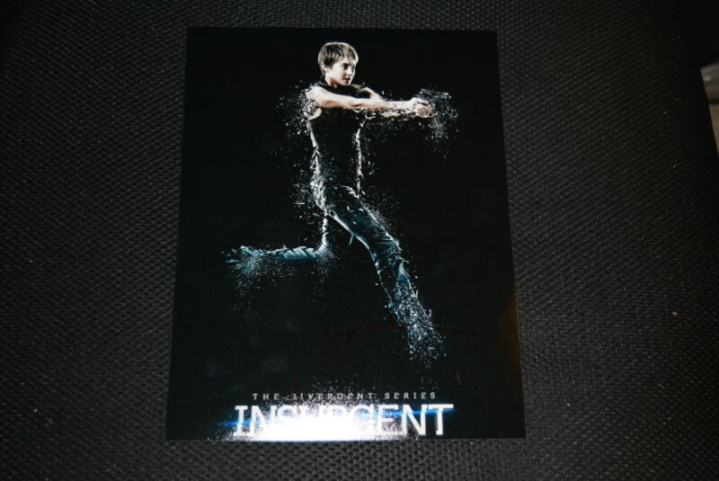 SHAILENE WOODLEY  signed Autogramm In Person 20x25 cm INSURGENT character poster