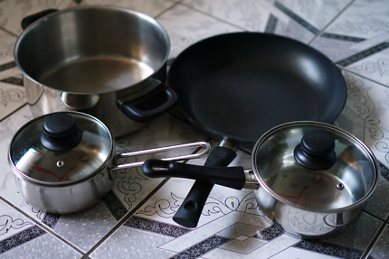 Aluminium cookware - pots and pan