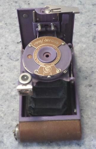 KODAK LAVENDAR FOLDING PETITE CAMERA CA. 1930 Excellent condition. (C9B2)