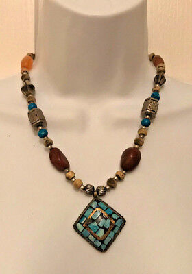 Turquoise polished Stone And Wood Beaded Bohemian Pendant Necklace ()