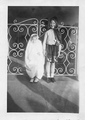 Halloween Outfits Homemade (Vtg PHOTO Little Kids HOMEMADE HALLOWEEN OUTFITS GHOST RED RIDING HOOD)