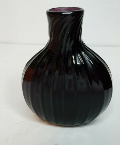 "AMETHYST FLASK/BOTTLE Art Glass SIGNED- G.U. 2005-  4"" TALL, NCE !!"