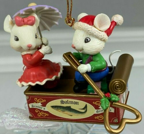 LUSTRE FAME 2 LOVE MICE IN SALMON CAN BOAT VINTAGE CHRISTMAS ORNAMENT PRE OWNED