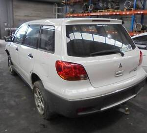 MITSUBISHI OUTLANDER LEFT TAILLIGHT ZE-ZF, 02/03-10/06 (C19348) Lansvale Liverpool Area Preview