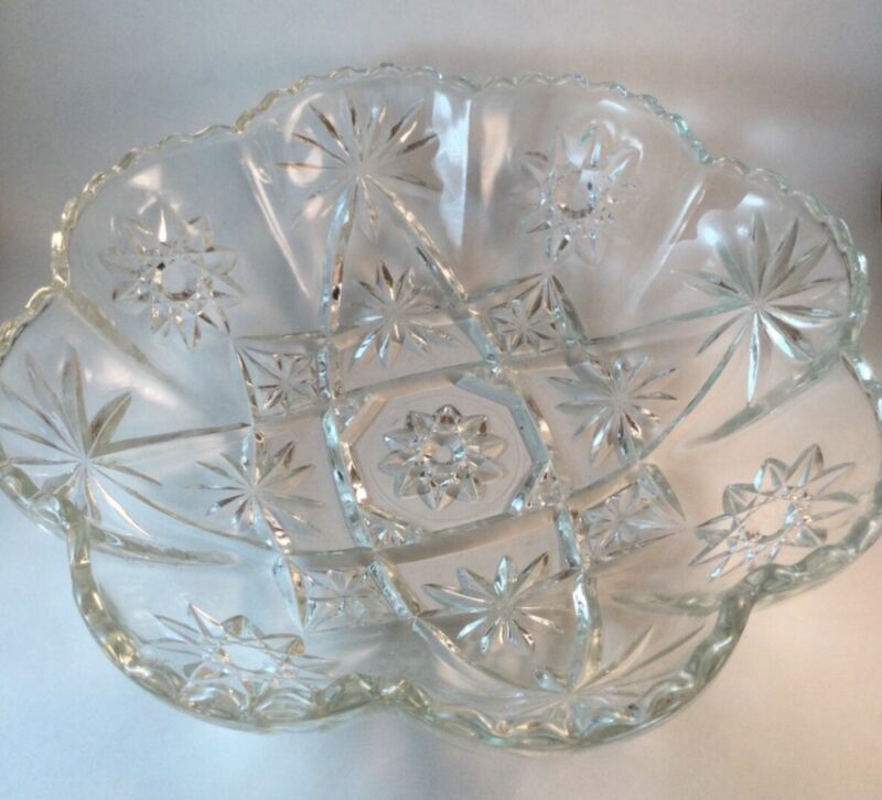 EAP Early American Prescott (Star of David) 11 3/4 inch Scalloped Paneled Bowl