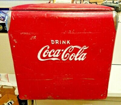 Vintage 1950's Coca Cola picnic cooler by Action Mfg Cowith stainless liner.