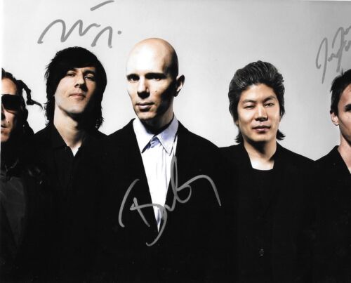 * A PERFECT CIRCLE * signed 8x10 photo * HOWERDEL, MCJUNKINS, FRIEDL * 1