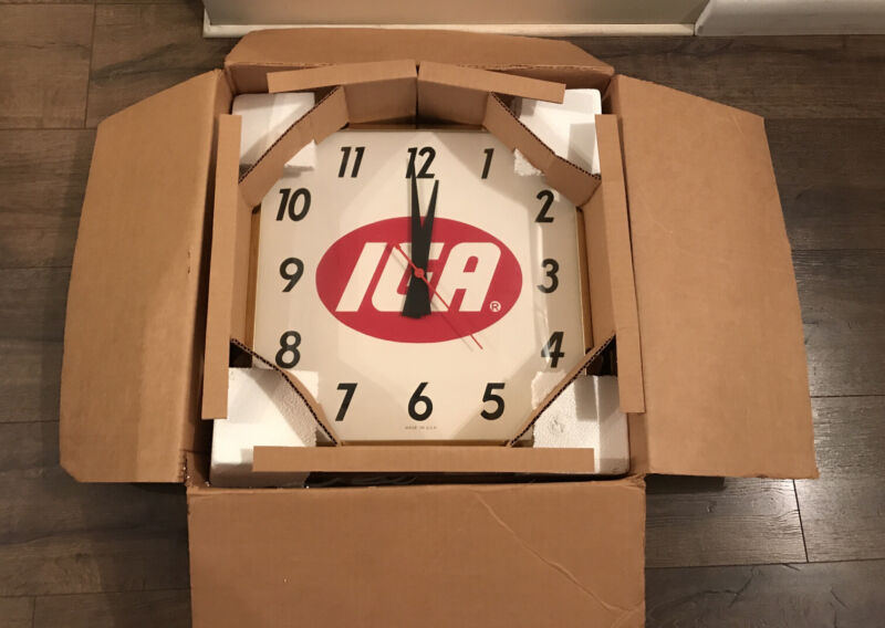 NOS 1981 Vintage IGA SUPERMARKET GROCERY STORE ADVERTISING CLOCK IN BOX.
