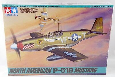 1/48 Scale North American P-51B Mustang Model Aircraft Kit Tamiya 61042