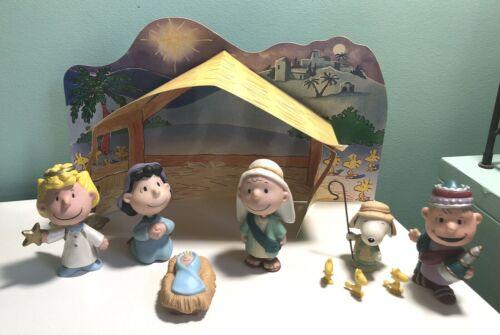 Hallmark Peanuts Gallery 2001 Christmas Nativity Set Complete