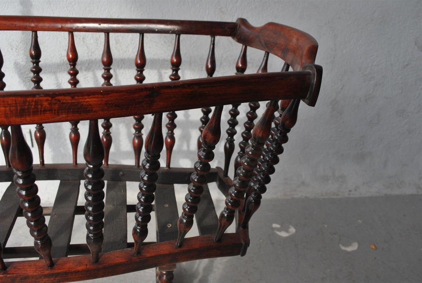 berceau ancien en bois exotique teint acajou eur 700 00 picclick fr. Black Bedroom Furniture Sets. Home Design Ideas