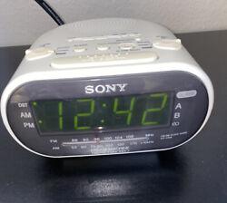 Sony Dream Machine Clock Radio ICF-C318 White Auto Time Set Dual Alarm AM FM