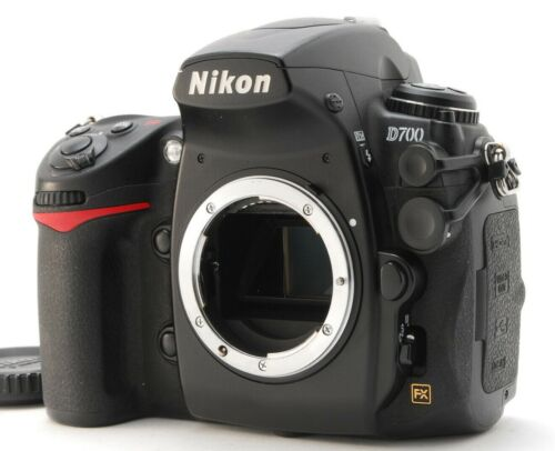 [Near Mint] Nikon D700 12.1MP Digital SLR Camera w/ Charger Low Shutter Count