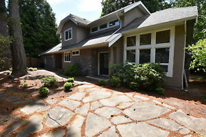 Updated 5 Bed/3 Bath home in Gordon Head close to Mt Doug Park