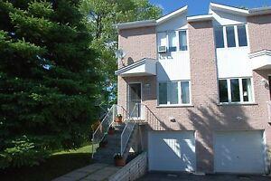 Maison - à vendre - Le Vieux-Longueuil - 25891072