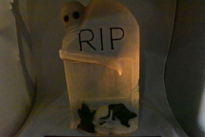 """Vintage Halloween 27"""" TPI Lighted RIP Tombstone Blow Mold Yard Decoration"""