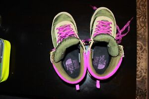 Hiking shoes. The North Face. US 7/EU 38. Good condition.