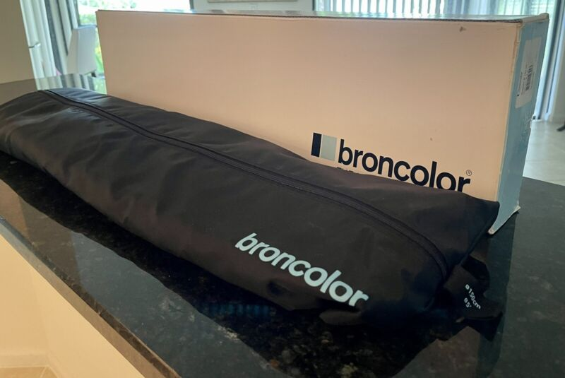 Broncolor Octabox 150 In Near Mint Condition In The With The Case And Diffuser
