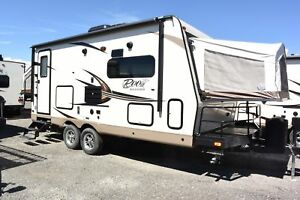2017 FOREST RIVER ROCKWOOD ROO 21BD