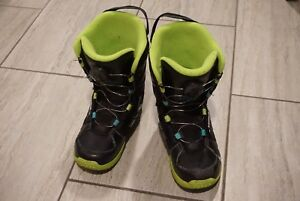 Kids K2 Snowboarding Boots Size 4